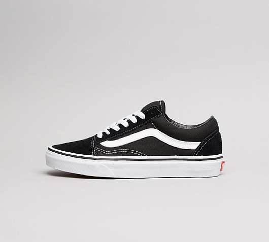 f2a4af6aa17 VANS    Classic Old Skool Trainers – Black   White – Never Knowingly ...
