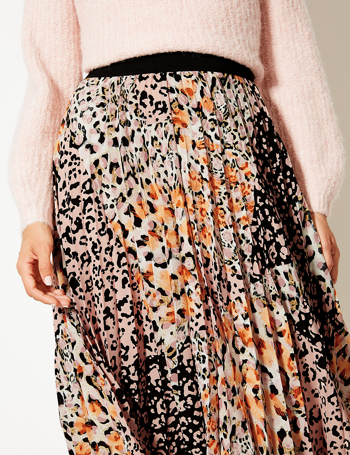 4900c1667 M&S // Animal Print Pleat Midi Skirt – Never Knowingly Concise